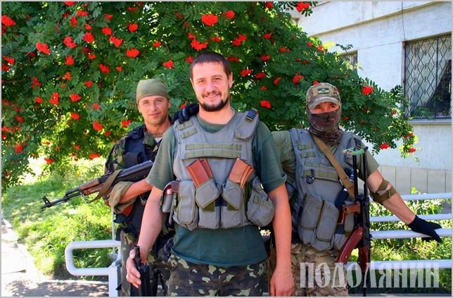 Олег Голод (в центрі) з бойовими побратимами