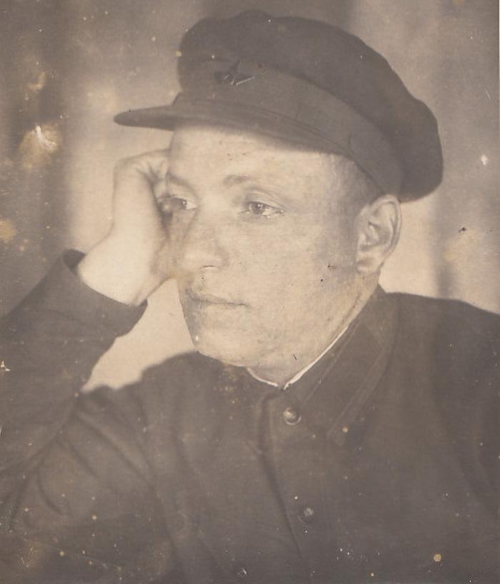 Батько Едуарда - Костянтин Крилов