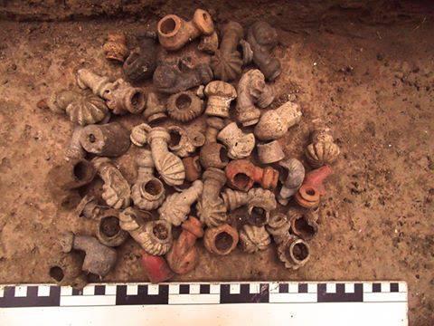 Безпрецедентна кількість різноманітних люльок в одному розкопі