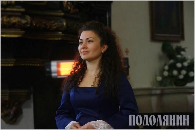 Почесна учасниця «Секвенції»,  оперна співачка з Кам'янця Оксана Томків