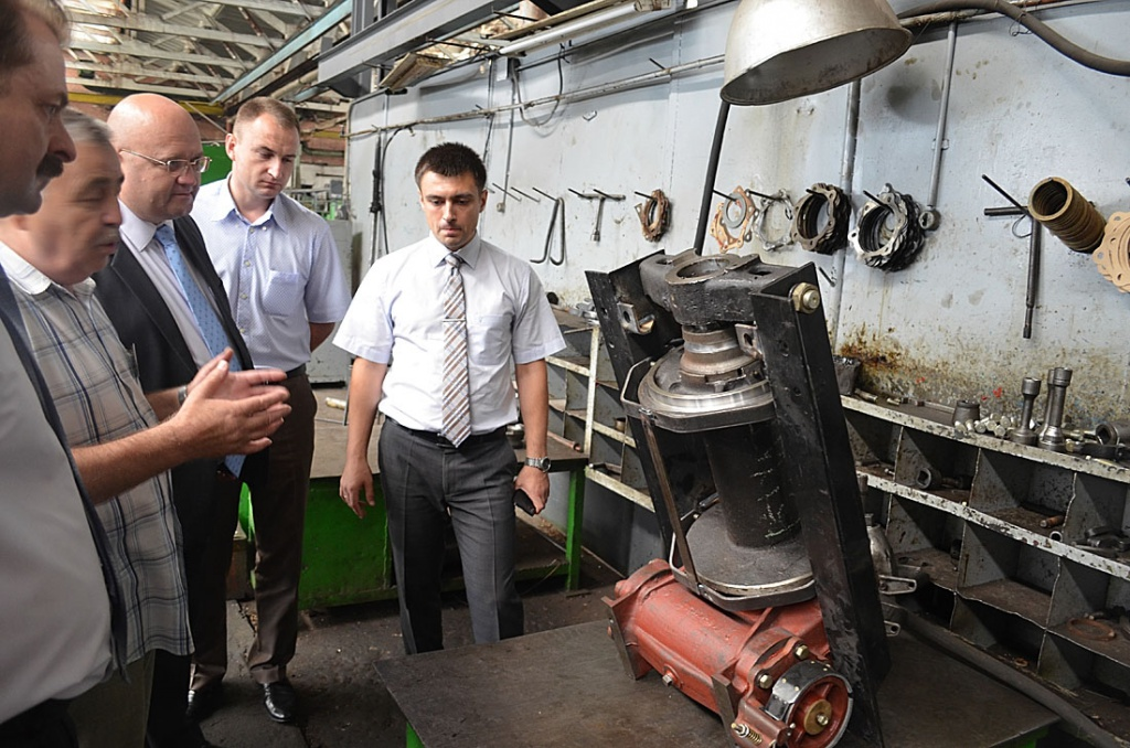 Під час візиту на автоагрегатний завод
