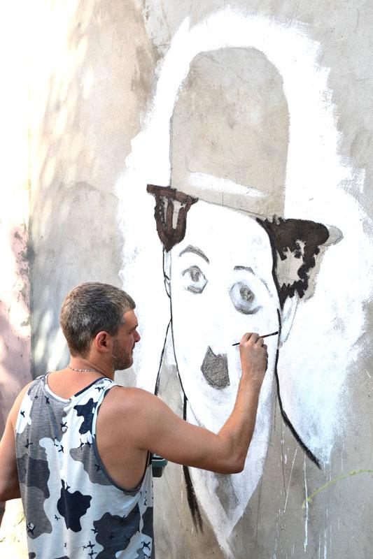 Мірзоян малює Чапліна