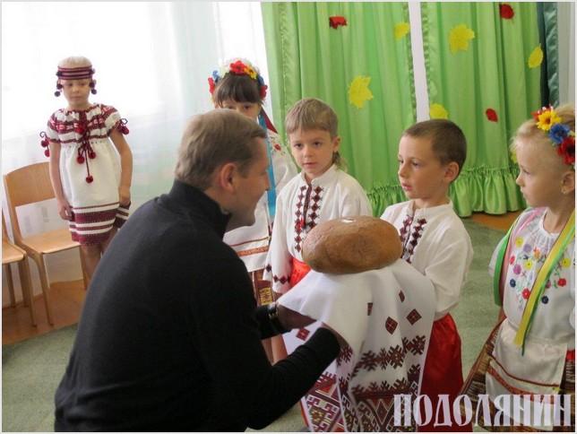 Вихованці ДНЗ №17 «Світлячок» завжди радо зустрічають Дмитра Савенка
