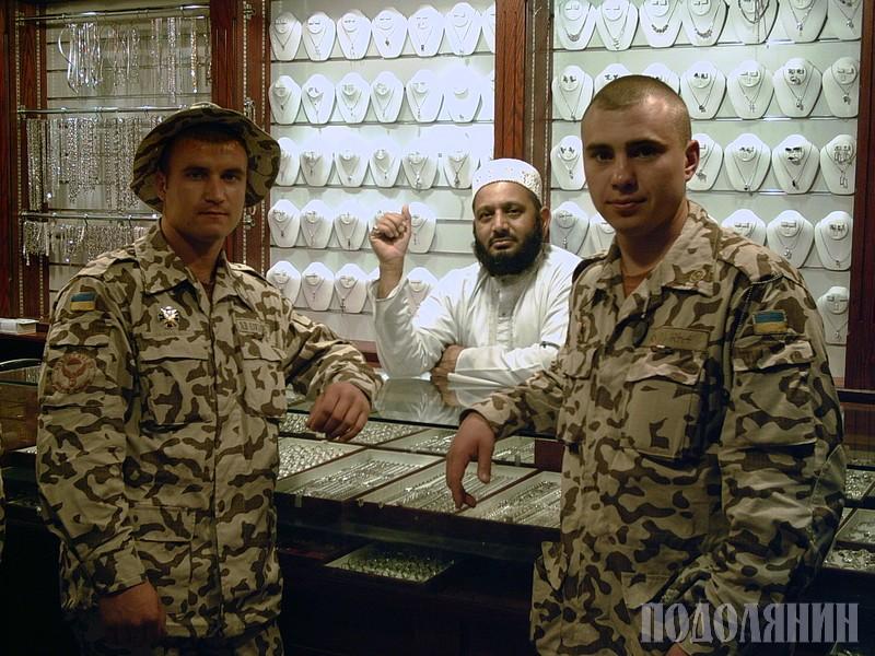 Євген КЕКСЕЛЬ (на фото праворуч)
