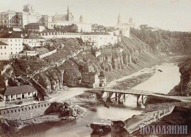 Вигляд Кам'янця з боку Польських фільварків. Фото Августа ЕНГЕЛЯ