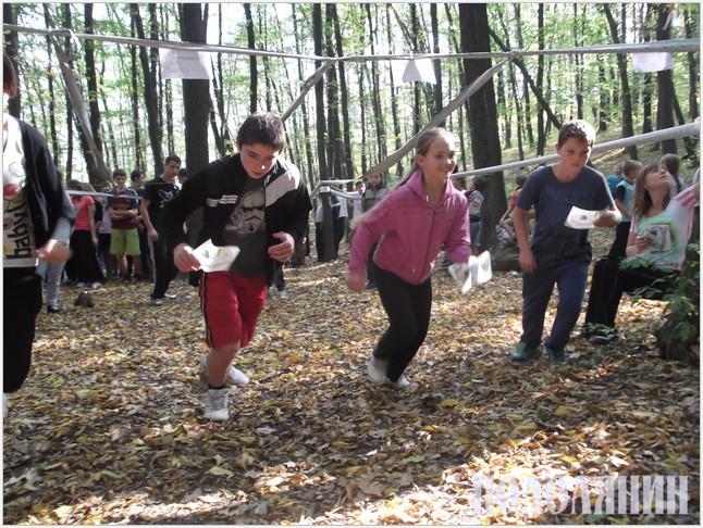 Змагання в зіньковецькому лісі.jpg