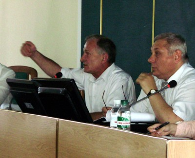 Микола ДЕРИКОТ (на фото ліворуч)