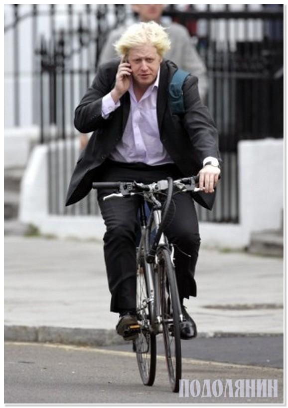 Ось так добирається на роботу мер Лондона Борис Джонсон