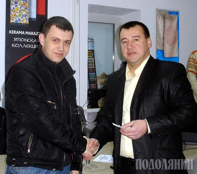 Андрій МАСТИКАШ (на фото праворуч)