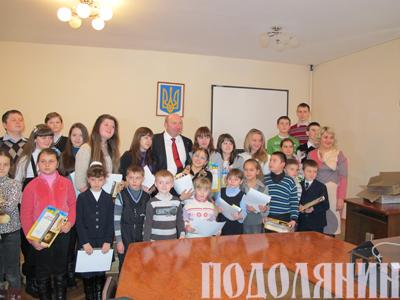 Михайло сімашкевич з юними умільцями