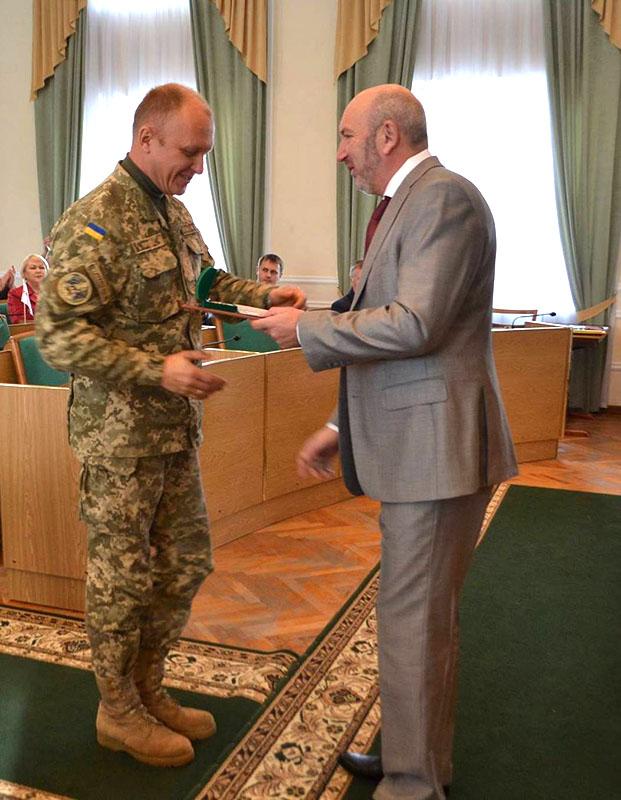 Відзнаку міськради «Честь і шана» отримує командир 48-ї інженерної бригади полковник Віктор КОРШОК