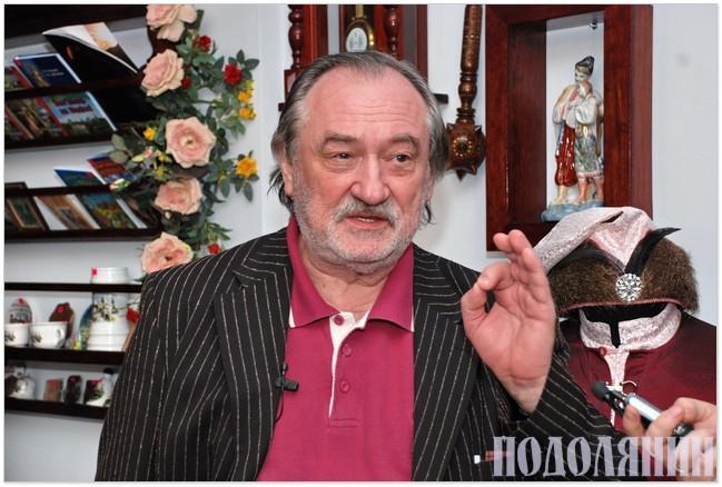 Богдан Ступка під час інтерв'ю в Кам'янці-Подільському