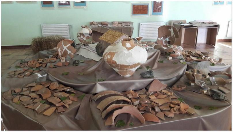 Фрагменти знахідок трипільської кераміки
