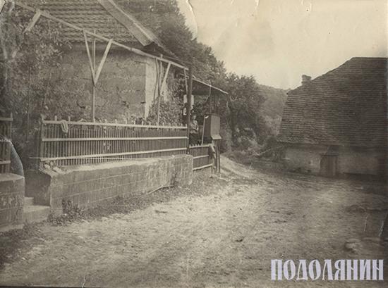 Так колись виглядало подвір'я Геннадія Коваленка