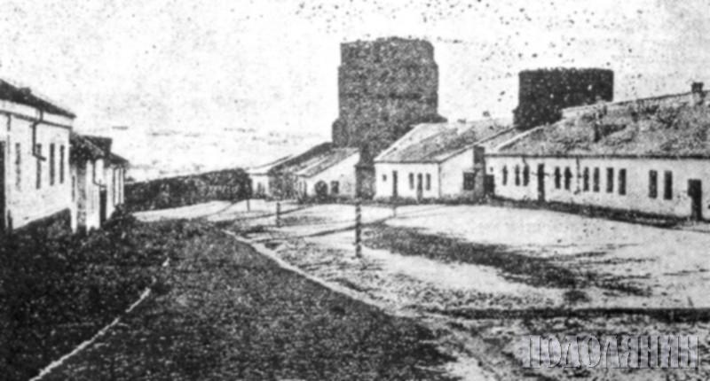 Подвір'я фортеці. Фото XIX ст.