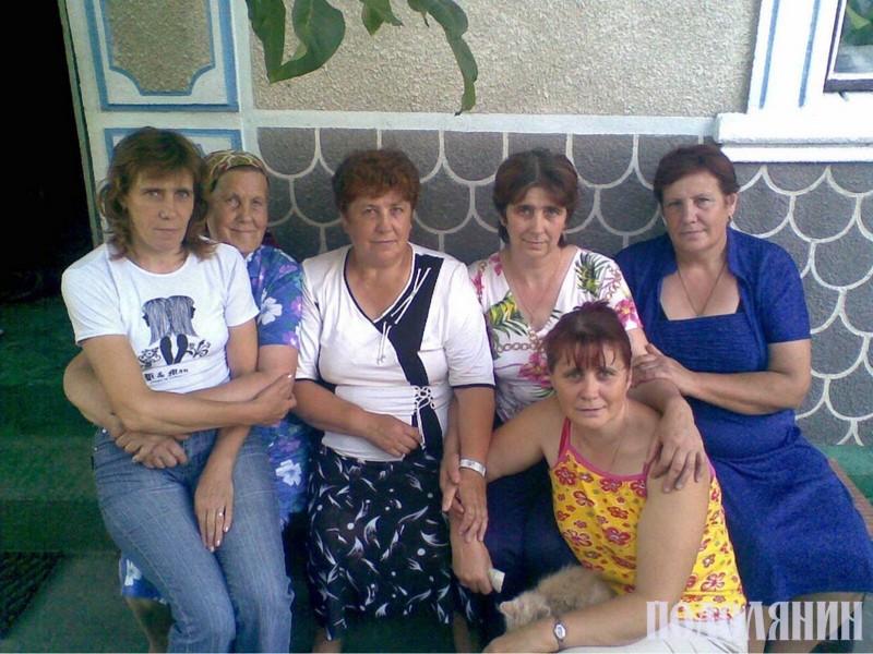 Зінаїда Савчук із доньками