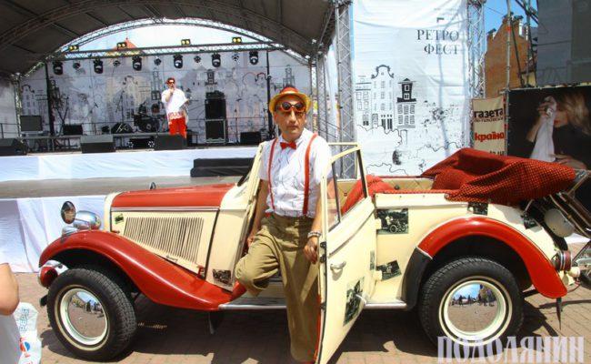 Юрій Бейдик із Полтави на власному авто «Adler Werke», 1937 р.в.