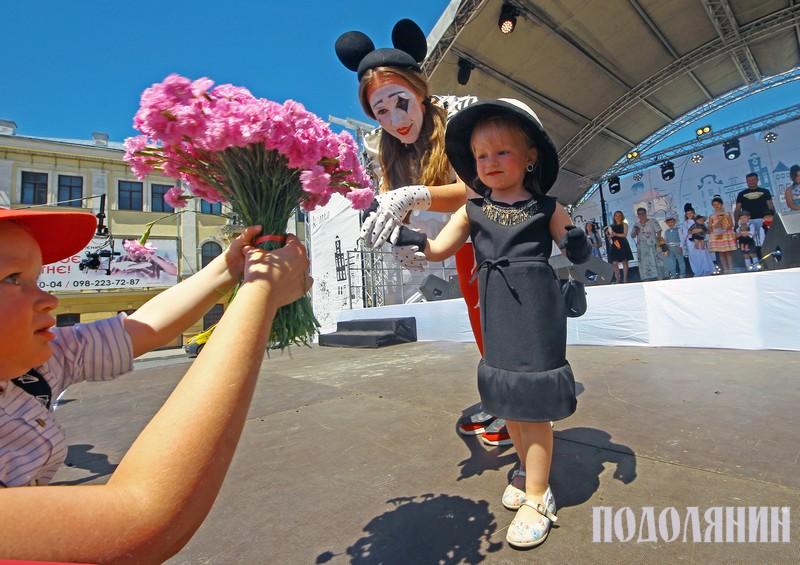 Наймолодша 3-річна учасниця «RetroKidsShow» в образі Одрі Хепберн