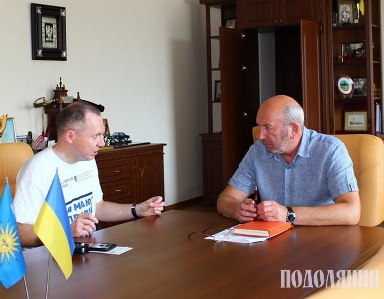 Віктор Худняк, Михайло Сімашкевич