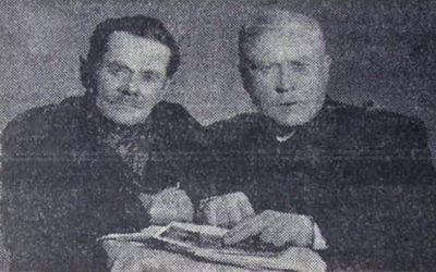 Один з організаторів першої комуни в Бабшині Сидір Співак (ліворуч) і один із перших комсомольців Кам'янеччини Петро Крижанівський