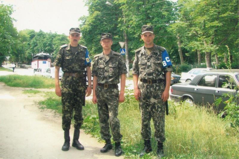 Володимир Кутас (ліворуч) у складі патруля військової служби правопорядку