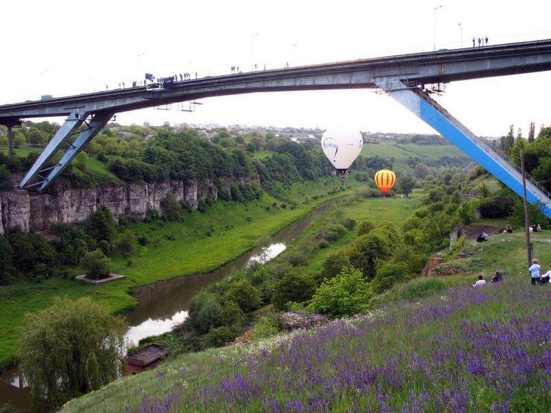 Міст «Стрімка лань» у Кам'янці-Подільському