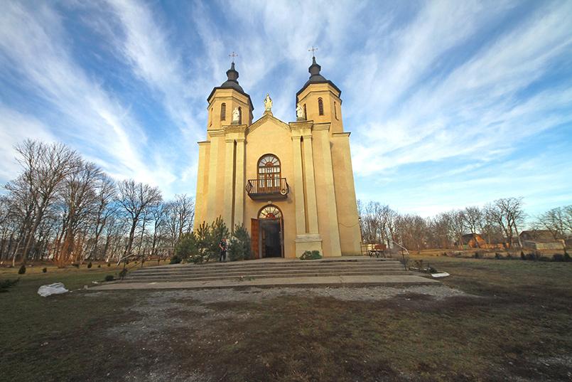 Костел у Тинній
