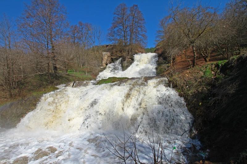 Найвищий рівнинний водоспад України в урочищі Червоне