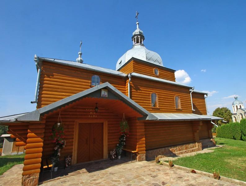 Дерев'яна церква в Крогульці