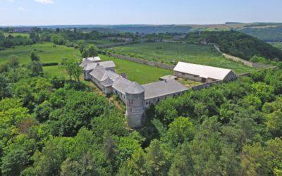 Замок у Отрокові відроджує Скальський