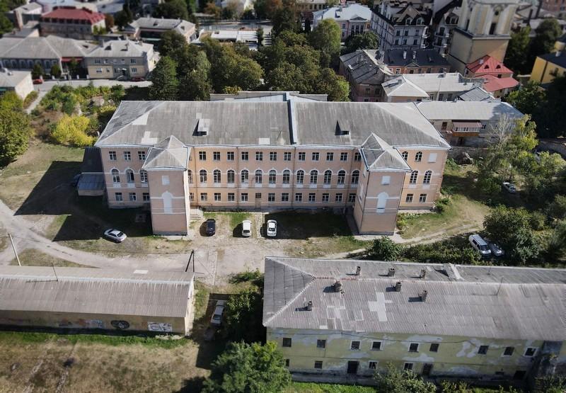 Будівля історичного факультету К-ПНУ ім.Iвана Огієнка