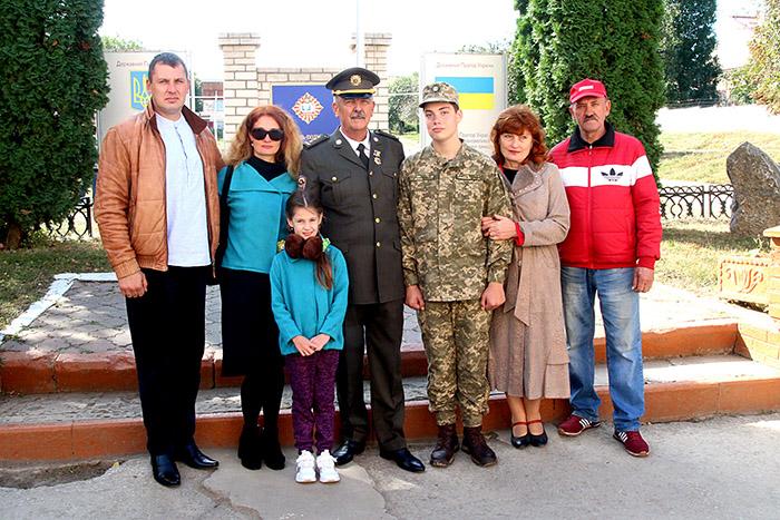 Олександр Рощук із родиною. Фото Iгоря Ткачука