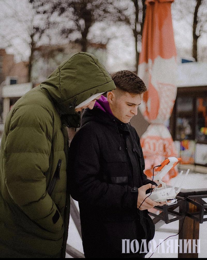 Богдан Загороднюк ліворуч