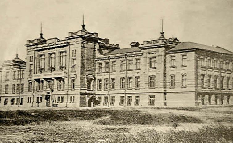 Колишнє Олександрівське комерційне училище, де розміщувався один із корпусів Запорізького державного педагогічного інституту
