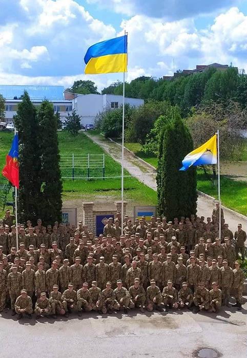 Нові флагштоки у Кам'янець-Подільському ліцеї з посиленою військово-фізичною підготовкою