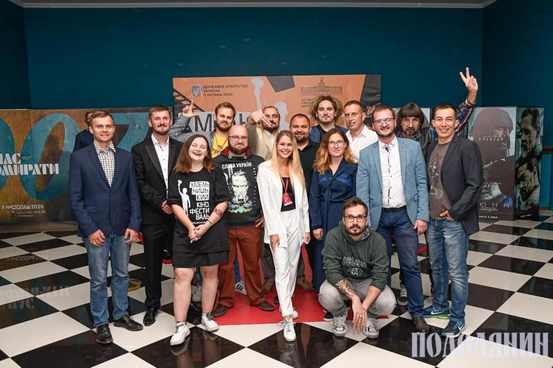 Андрій Заєць (другій ліворуч) і його творча команда. Фото зі сторінки режисера у фейсбуку