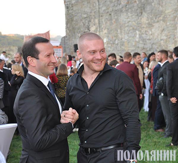 Олександр КРИВОШАПКО (на фото праворуч)